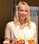 Fairtrade Botschafterin Elischeba Wilde kocht in Münster mit fairen Produkten